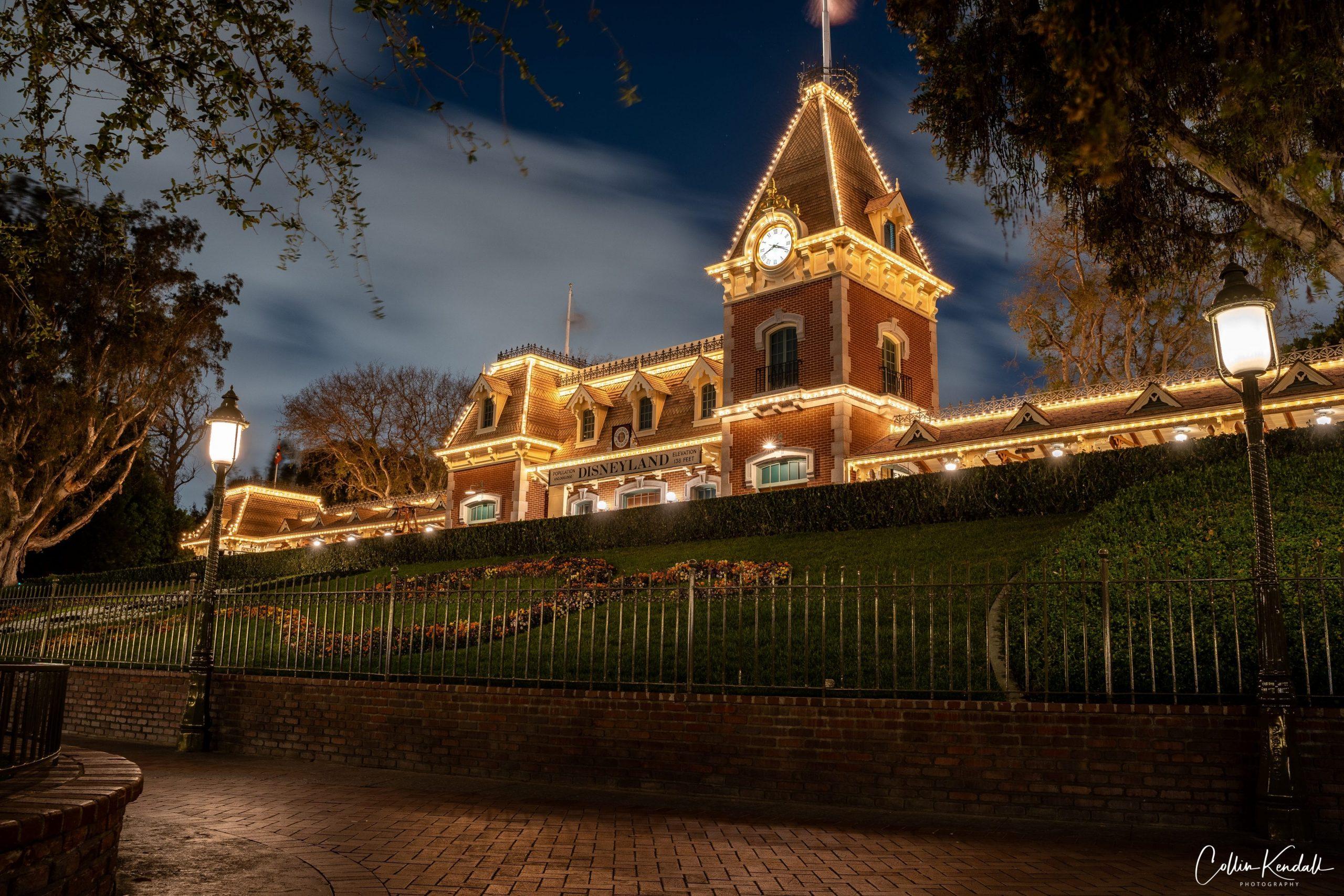 Disneyland vs. Disney World: Train Station